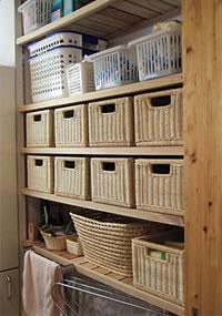 洗面脱衣室のリネン棚