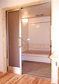 三枚引戸の浴室