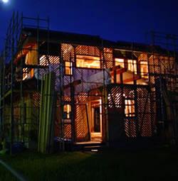 外壁の 夜景
